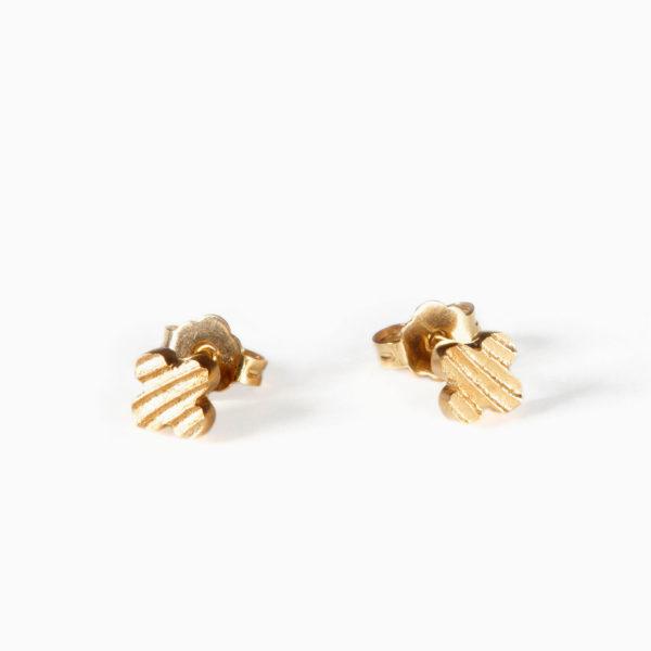 Luxusní náušnice Čtyřlístek mini z bílého zlata jsou něžné a přesto výrazné. Se zapínáním na puzetu.